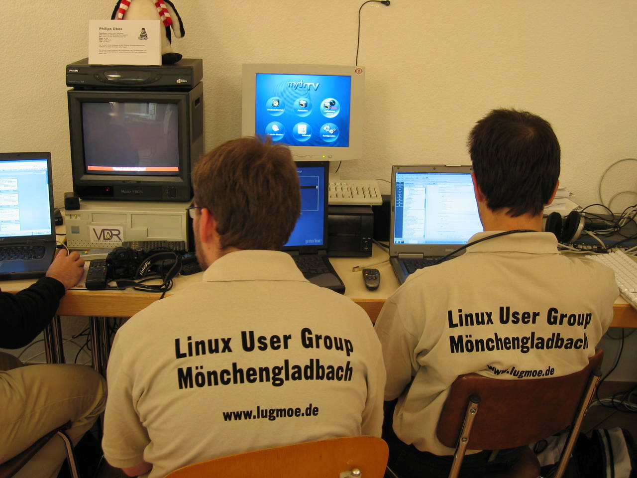 Linux Information Weekend 2004